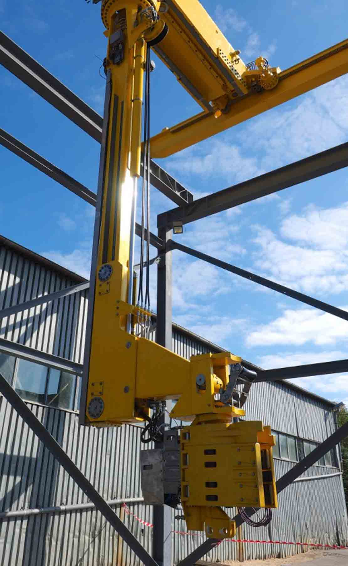 BridgeRacker compact vertical pipe handling system