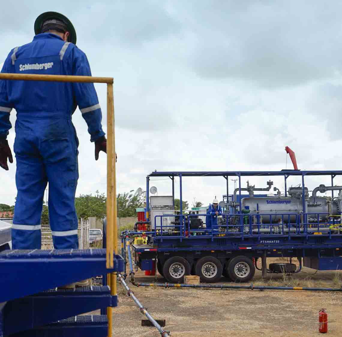 Flowback and Well Testing | Schlumberger