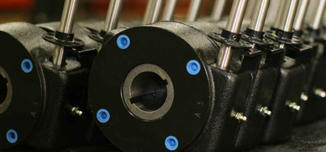 DYNATORQUE gears in a line showing the locking device